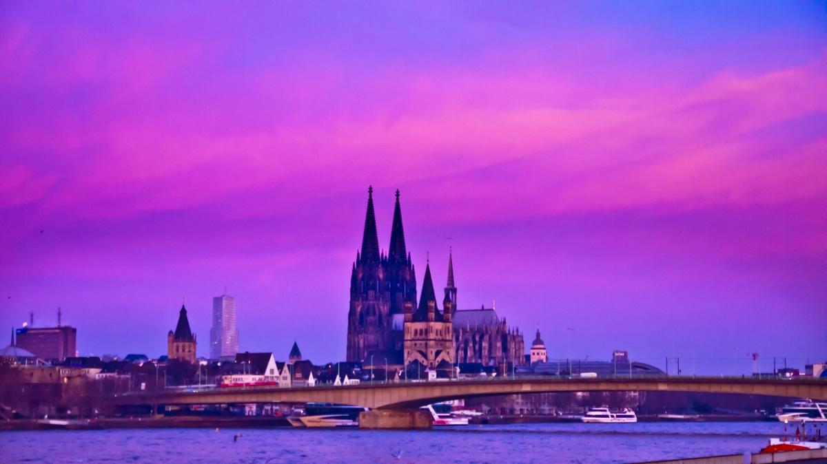 Köln Severinsbrücke Domm